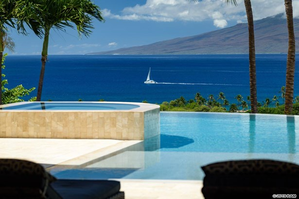297 Anapuni, Lahaina, HI, United States being shown by Hawaii Life Real Estate Brokers with MLS # 383759