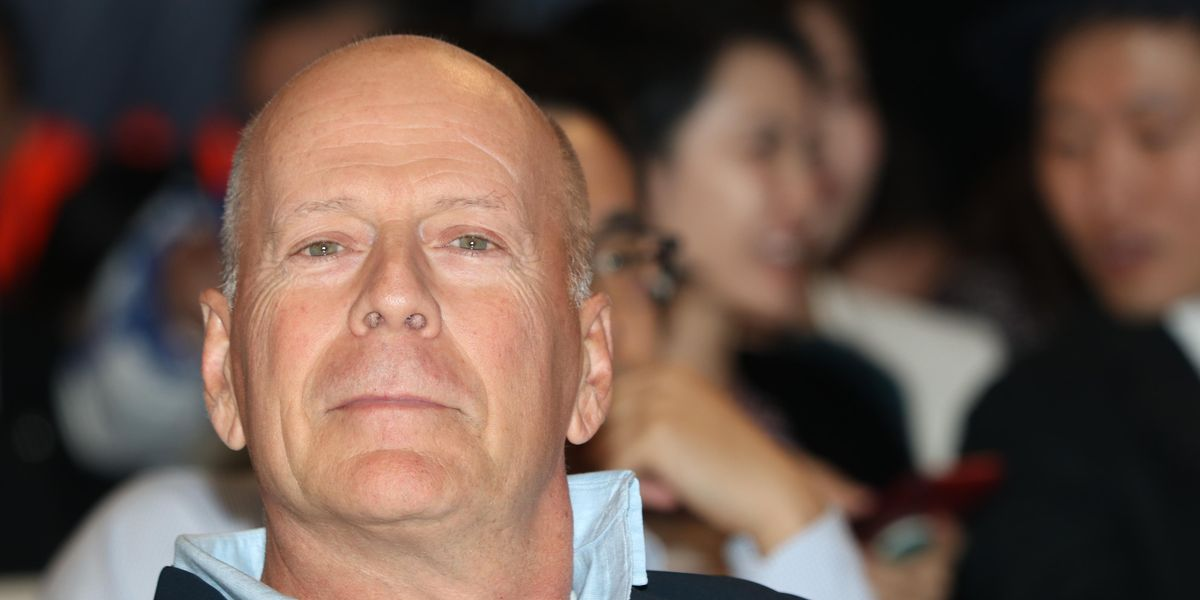 Los Angeles pharmacy tells actor Bruce Willis to leave store after he refuses to mask up. Now he says it was an 'error in judgment.'